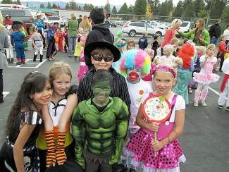 Glenshire students get ready for Halloween and trick-or-treating for UNICEF.