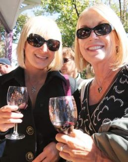 A mother and daughter enjoy a past Downtown Truckee Wine Walk and Shop.