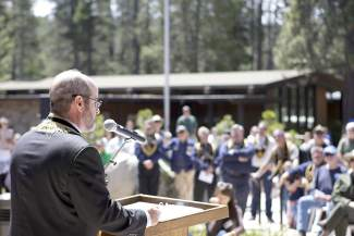 Native Sons of the Golden West grand president Dean Zellers, of Sonoma Parlor No. 111, leads a building dedication before hundreds of spectators that included former and current California State Park officials, political officials, descendants of the Donner Party, locals and visitors.