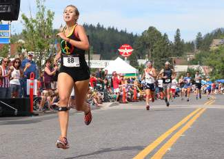 Sixteen-year-old Natalie Novitsky was the top woman in the 2015 Firecracker Mile.