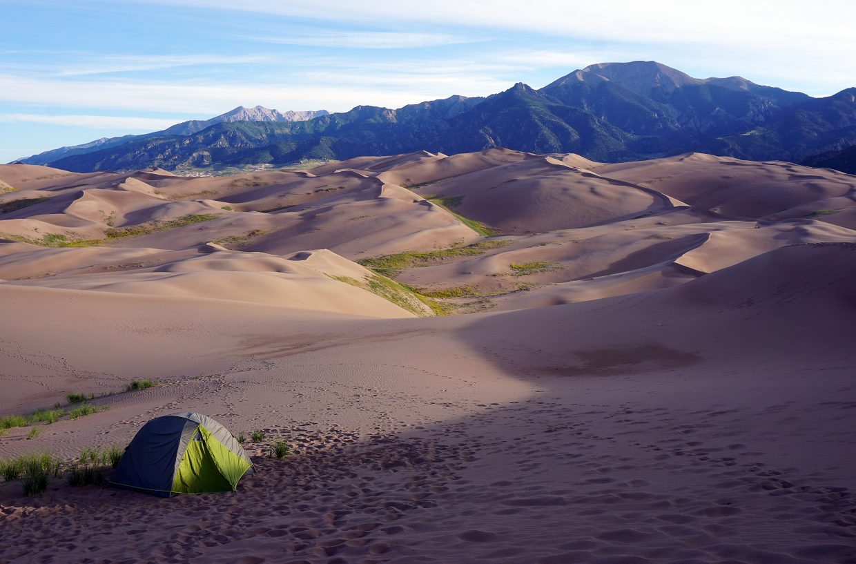 What It S Like To Spend A Night In The Surreal Dune Field