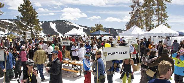 There are few places that provide the wine and the view that is a hallmark of the 10,350 foot The Taste of Vail Mountain Top Picnic.