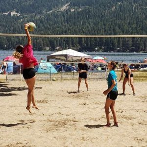 Truckee-Tahoe volleyball camps serve into play