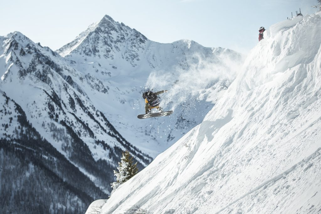 Tavo Sadeg competes at the Freeride Junior World Championship.